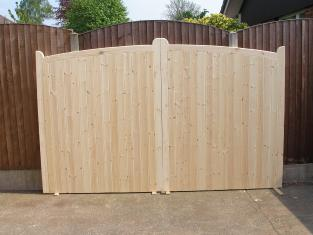 Driveway gates path gates timber gates made to measure for Ready made driveway gates